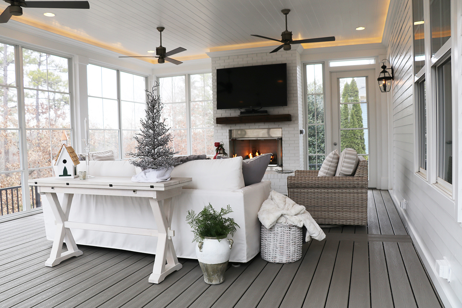 Tranquil Screened Porch Living at Springfield Golf Club - Fine on Doobz Outdoor Living id=65479
