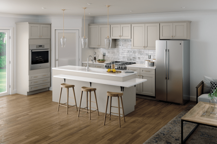 Fine Line Kitchen Designs is a Mantra cabinet dealer