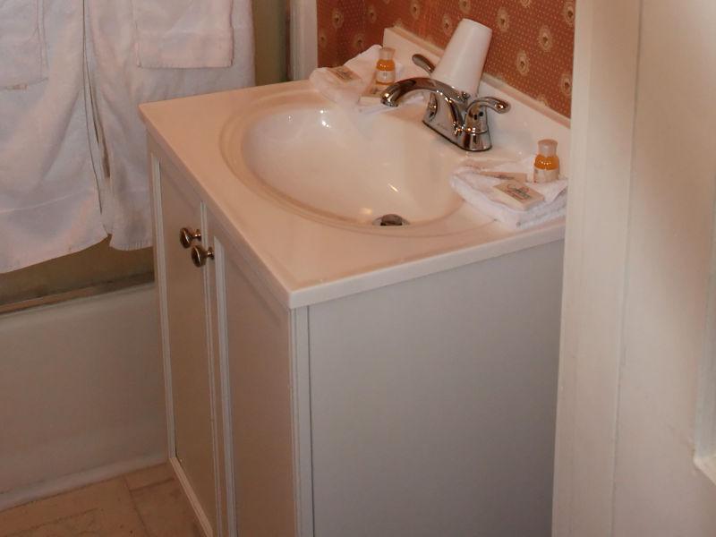 Guide To Standard Bathroom Vanity Sizes Finest Bathroom