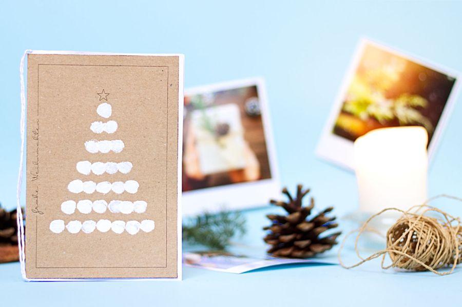 Fingerabdruck Karte Weihnachtsbaum - Winter Bastelideen für Kinder