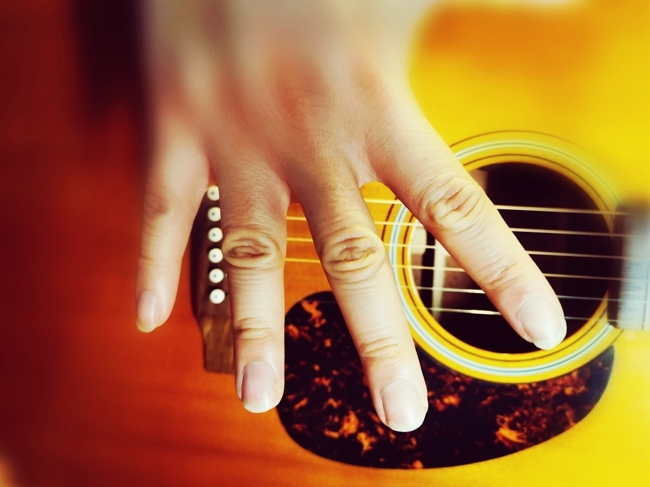 Ongles-guitare-1