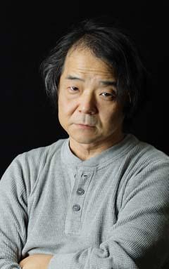 Sim, é ele mesmo: Mamoru Oshii