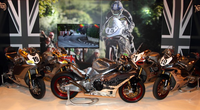 The Norton V4's, Art on wheels