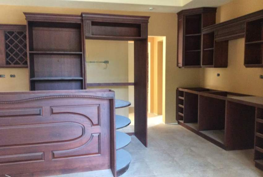 Build in Costa Rica by Finish Touch Enterprises