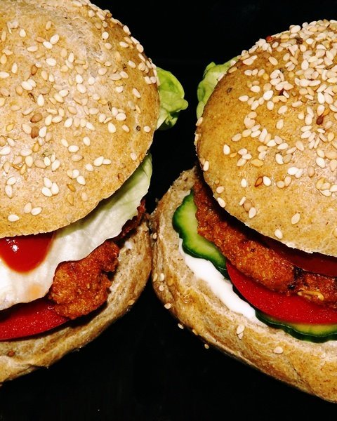 babropogos-ataisz-hamburger-finomat-maskepp