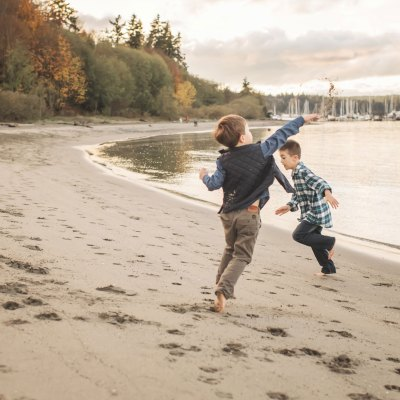Poulsbo family photography at Kitsap County Beach