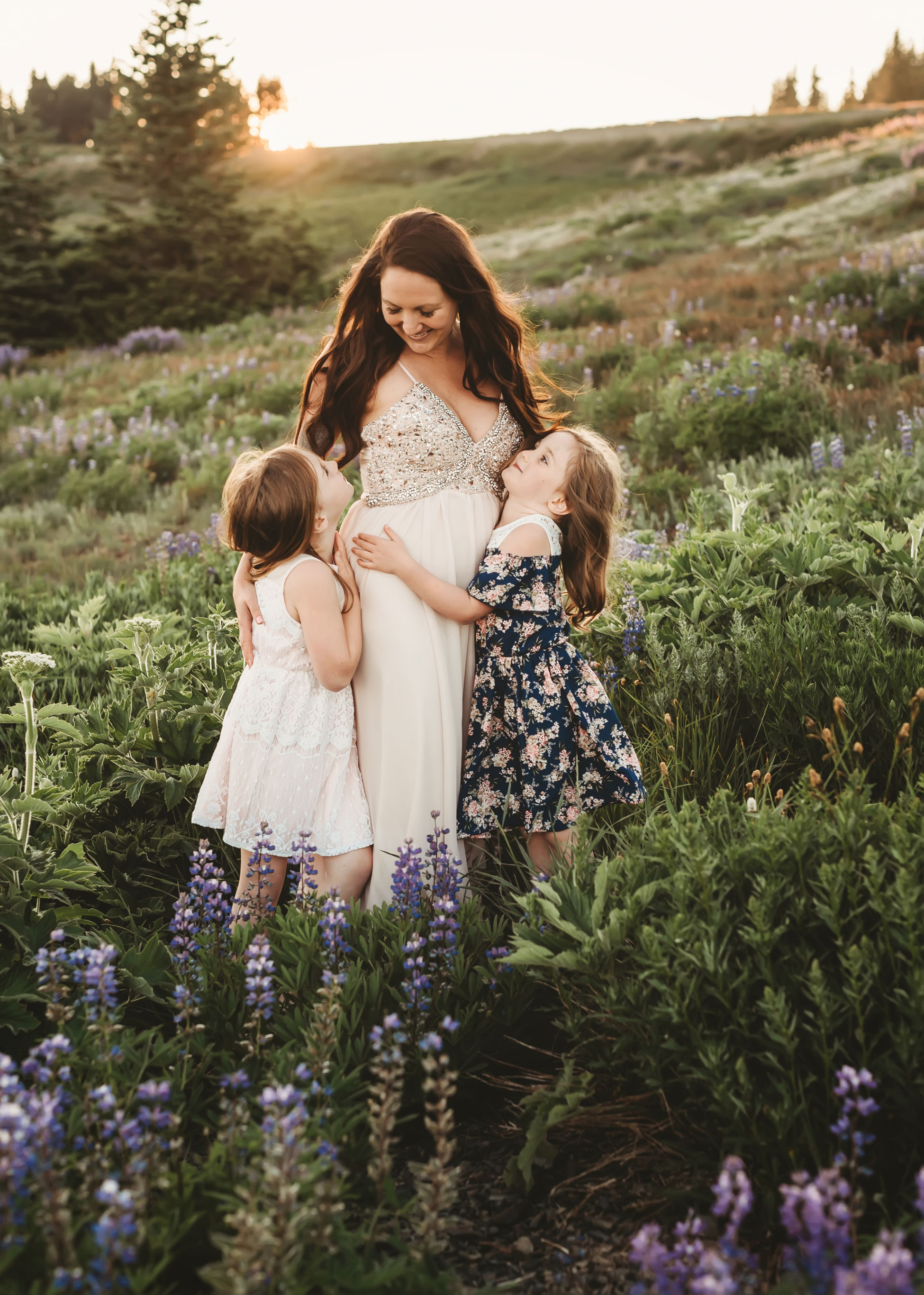 seattle family photographer in mountain top session