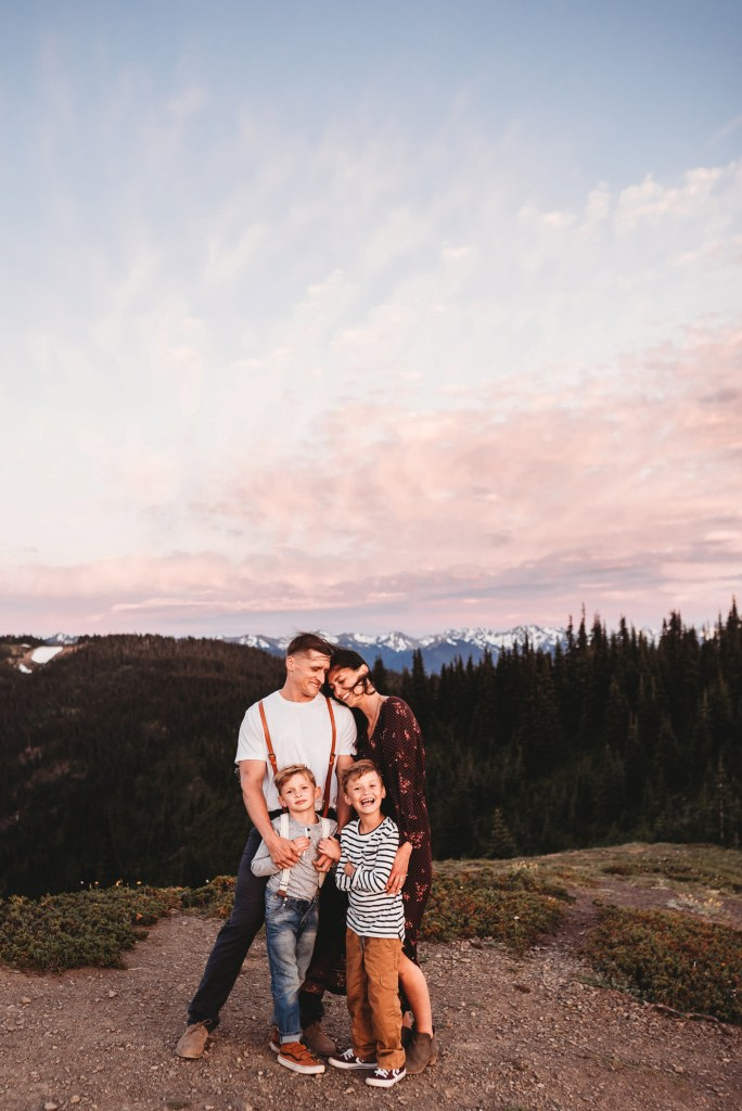 Seattle Adventure Family Photographer pop corn sunset