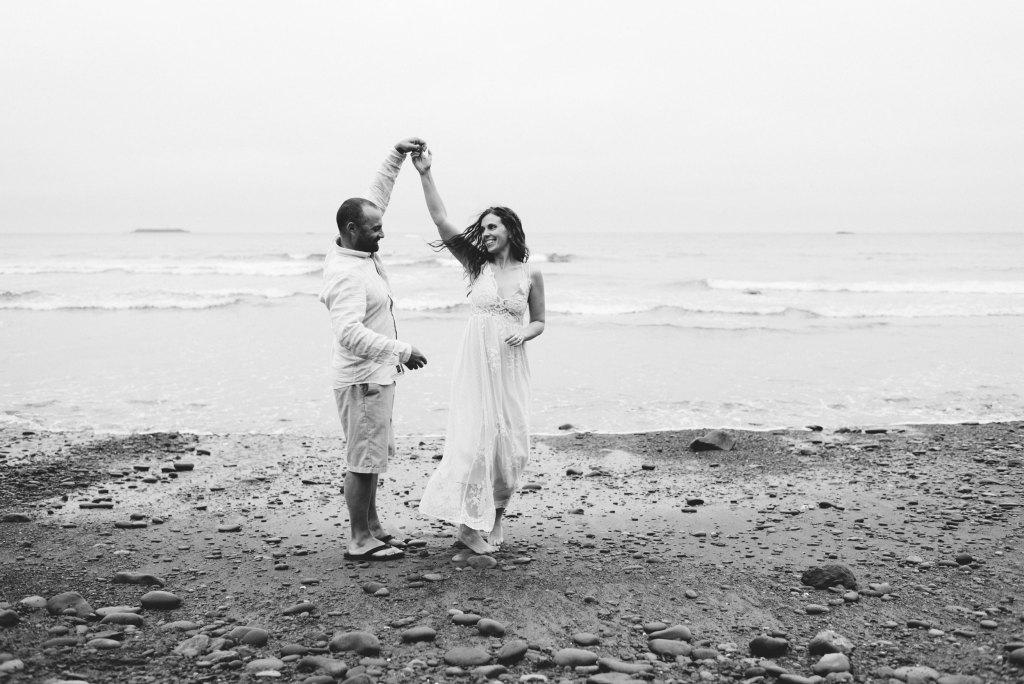 seattle family photographer ruby beach family session washington coast mom and dad couple photograph