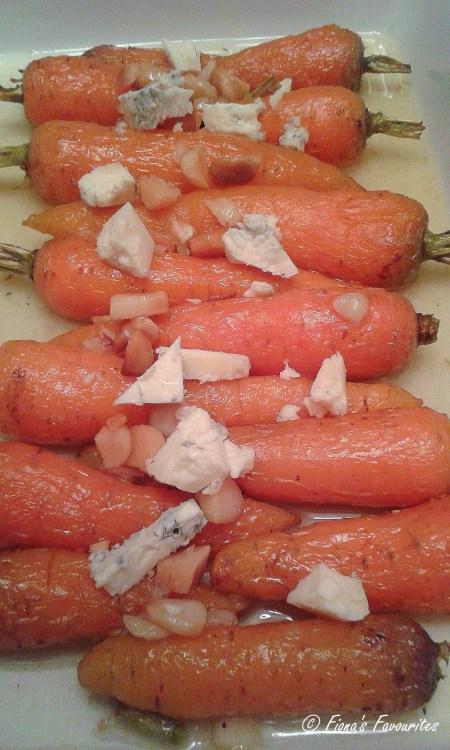 CarrotsBlueChsMacadamiaJan2016
