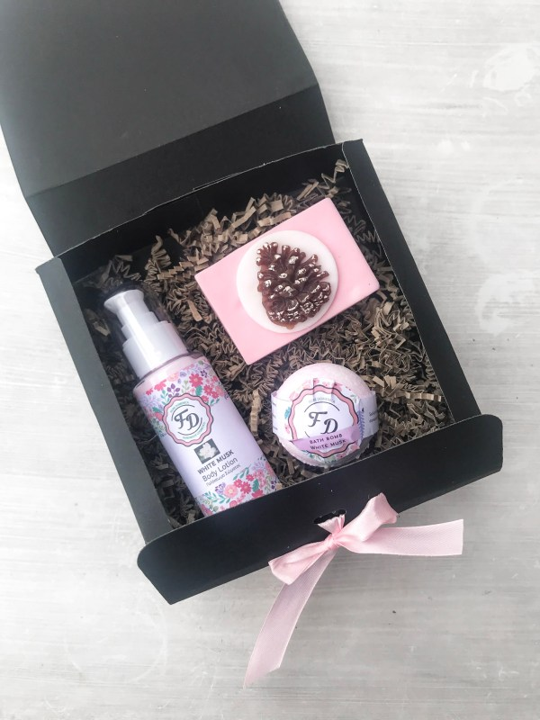 Mini christmas gift box White Musk