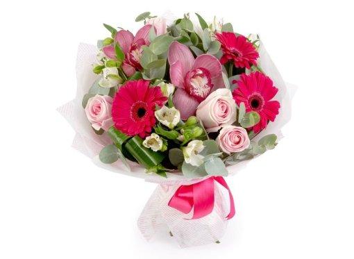 Bouquet con fiori di cymbidium rosa