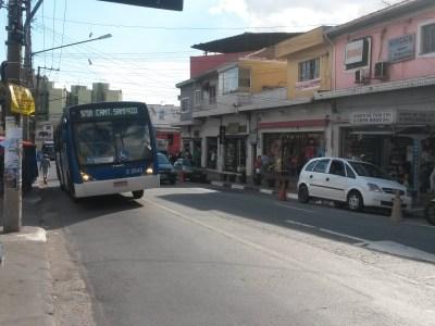 Ônibus são mais lentos que galinha em faixas exclusivas de São Paulo