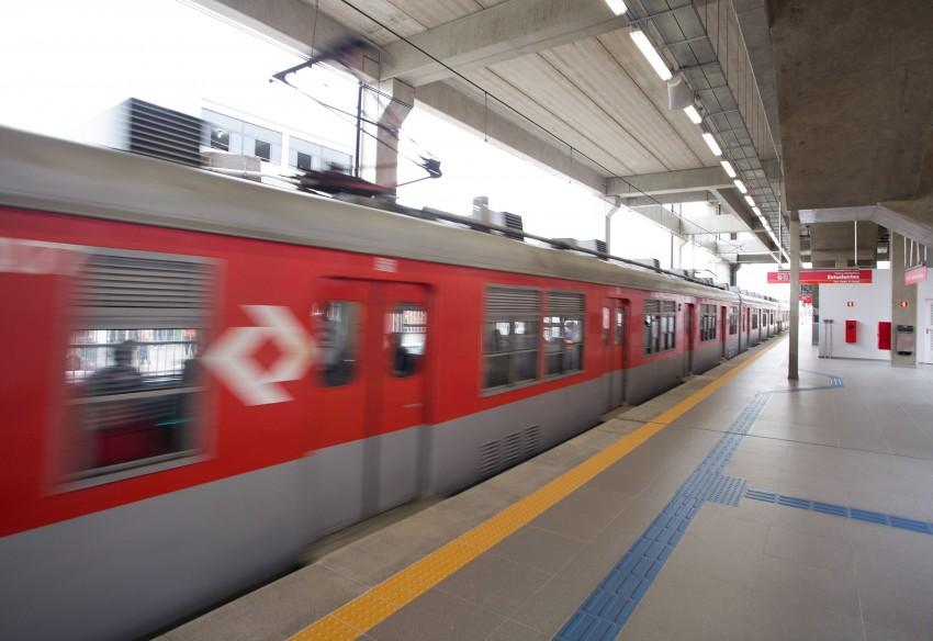 Crescem queixas de passageiros por falhas nas linhas 10 e 11 da CPTM