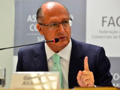 Em 4 anos, Fapesp reduz em R$ 17 milhões repasses a mestrandos