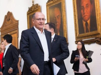 Passados 4 anos, Alckmin não cumpre promessa de zerar presos em delegacias