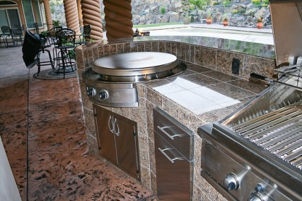 fire-and-water-outdoor-kitchen-16