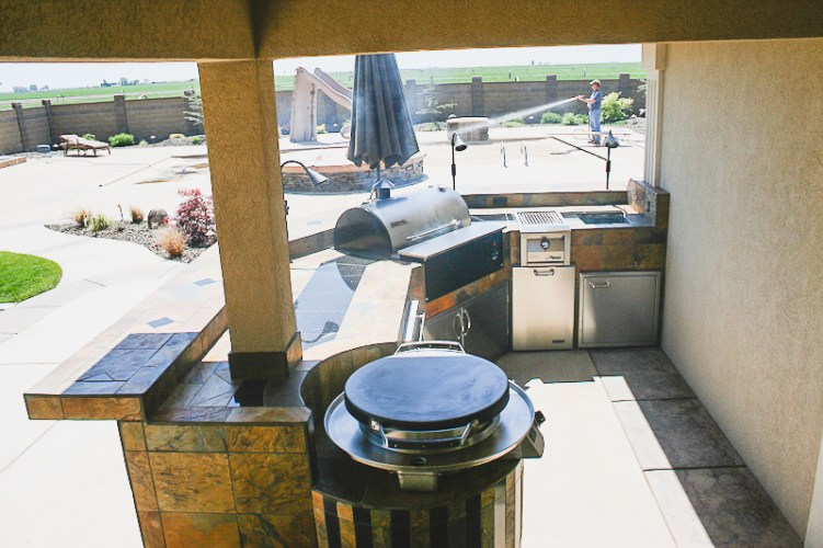 fire-and-water-outdoor-kitchen-29