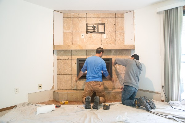 Installing the fireplace insert
