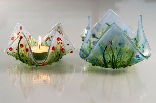 Large and small tealights together