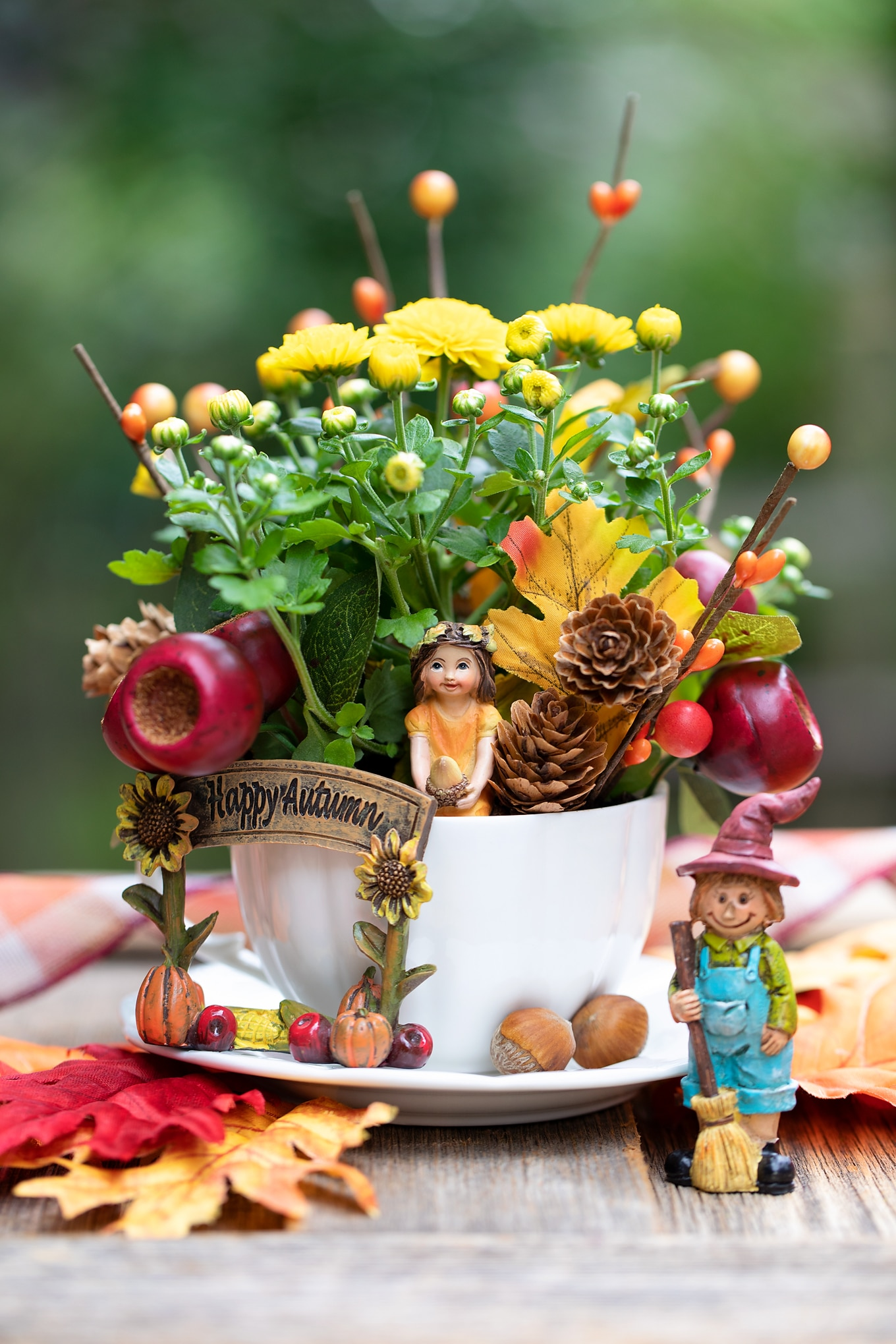 Beautiful and Colorful Fall Teacup Garden