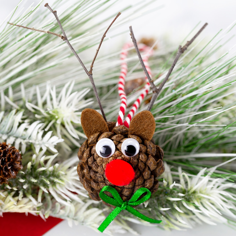 Pine Cone Reindeer Ornament
