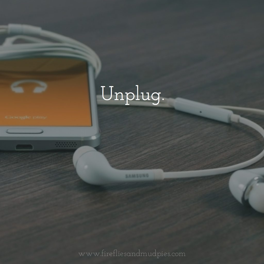 3 Simple Tips to Connect at the End of the Day: Unplug for a stronger family connection.