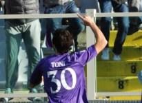 Toni in ballottaggio per la partita con la Juve