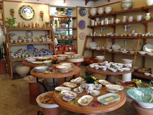 Sbigoli, la bottega di ceramiche e terrecotte eccellenza del centro storico cittadino