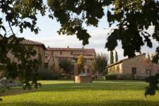 Una veduta di Borgo Finocchieto a Bibbiano