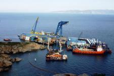 Il cantiere per la rimozione della Concordia al Giglio