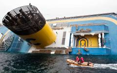 Concordia: scontro fra Costa Crociere e la Regione. Gli operai della Lucchini dal Papa