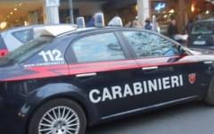 Piazza Indipendenza, accoltella un albanese e cerca di scappare in autobus: arrestato
