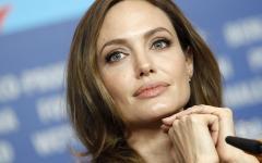 Angelina Jolie, dopo il seno via le ovaie. Ecco i tweet più curiosi