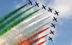 Frecce tricolori a Tirrenia domenica 21 maggio dalle 15,30 alle 18. Show della pattuglia acrobatica