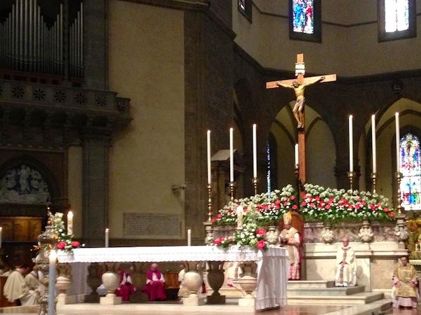 Il cardinale Betori durante la messa per la ricorrenza di san Giovanni Battista