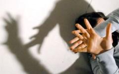 Abusava delle figlie guardando film hard, condannato