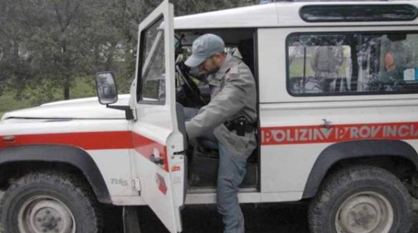 La struttura-lager di Prato è stata sequestrata dalla Polizia provinciale