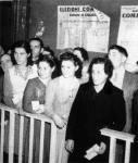 Donne al voto il 2 giugno 1946