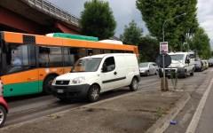 Acquazzone su Firenze, traffico in tilt