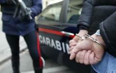Prato, arrestato minorenne accusato di rapina
