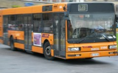 Firenze: picchiato da un invalido per un posto su un bus, rischia la paralisi