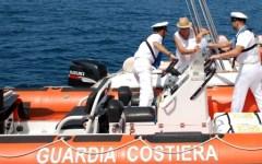 Livorno: barca in avaria, tratte in salvo 5 persone