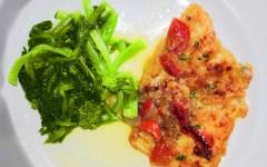 Filetto di pesce fresco con pomodori ciliegini alle erbe aromatiche