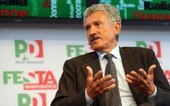 Referendum, D'Alema all'Obihall di Firenze:  «La vittoria del No riapre una speranza alla sinistra»