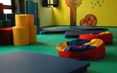 Prato: larve della pasta nella minestra dei bambini dell'asilo