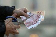 Il 37% degli italiani è costretto a chiudere aiuto ai genitori per far fronte alle difficoltà economiche