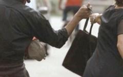 Anziana scippata cade e si frattura una spalla, un arresto a Firenze