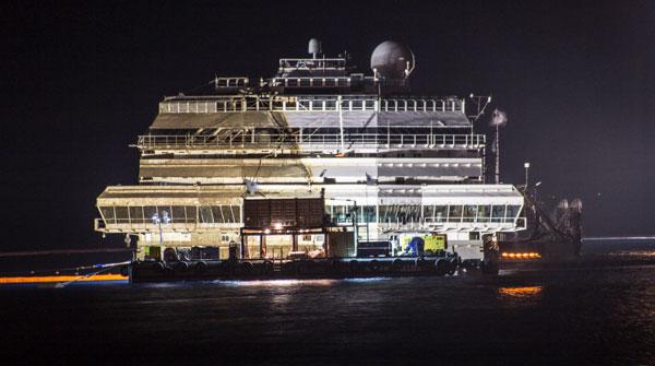 Completate le operazioni di rotazione della Costa Concordia