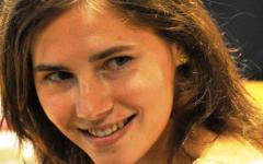 Meredith: indiscrezioni sul dna di Amanda, perizia depositata il 30 ottobre